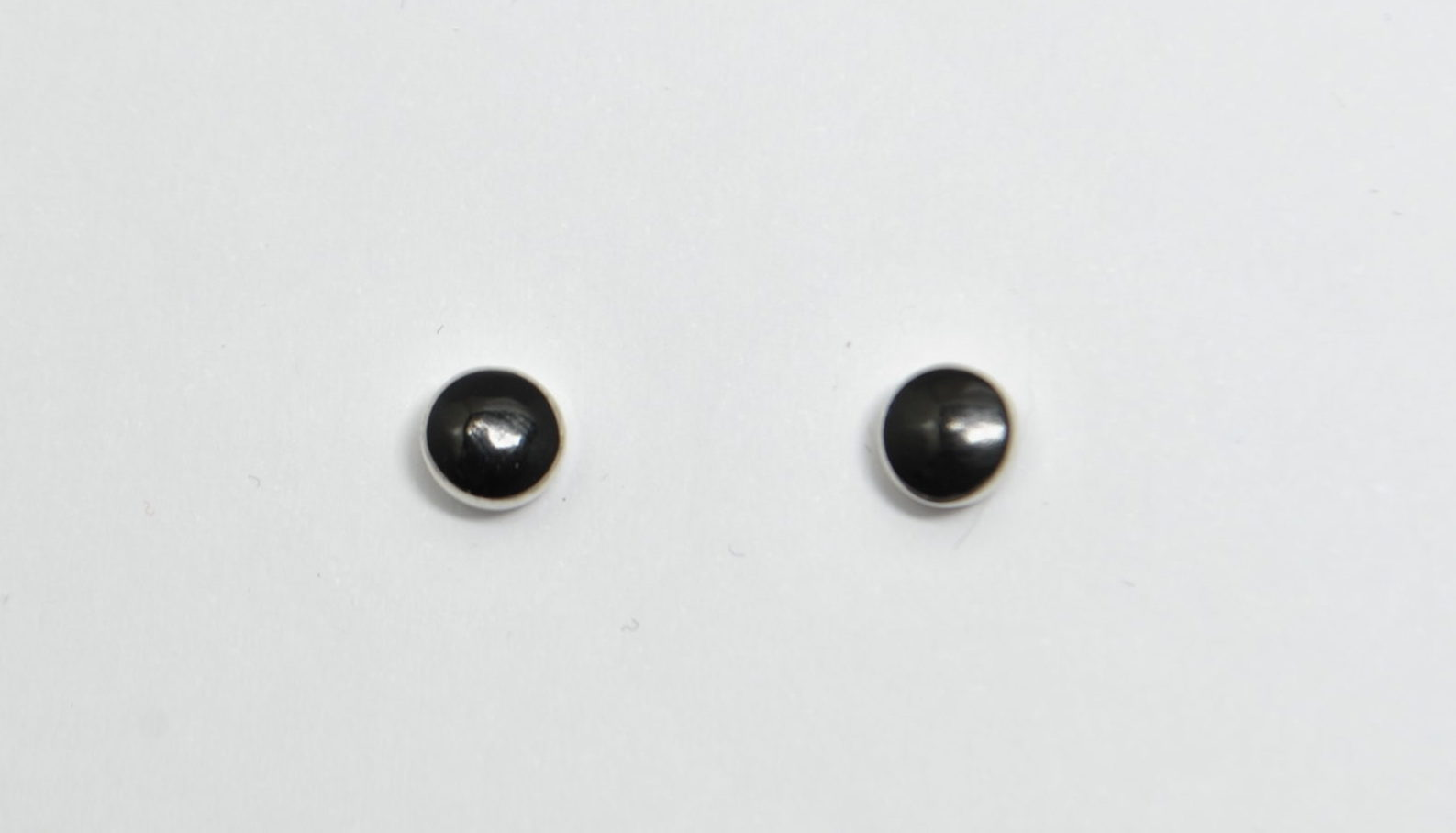 Petites boucles d'oreilles rondes onyx