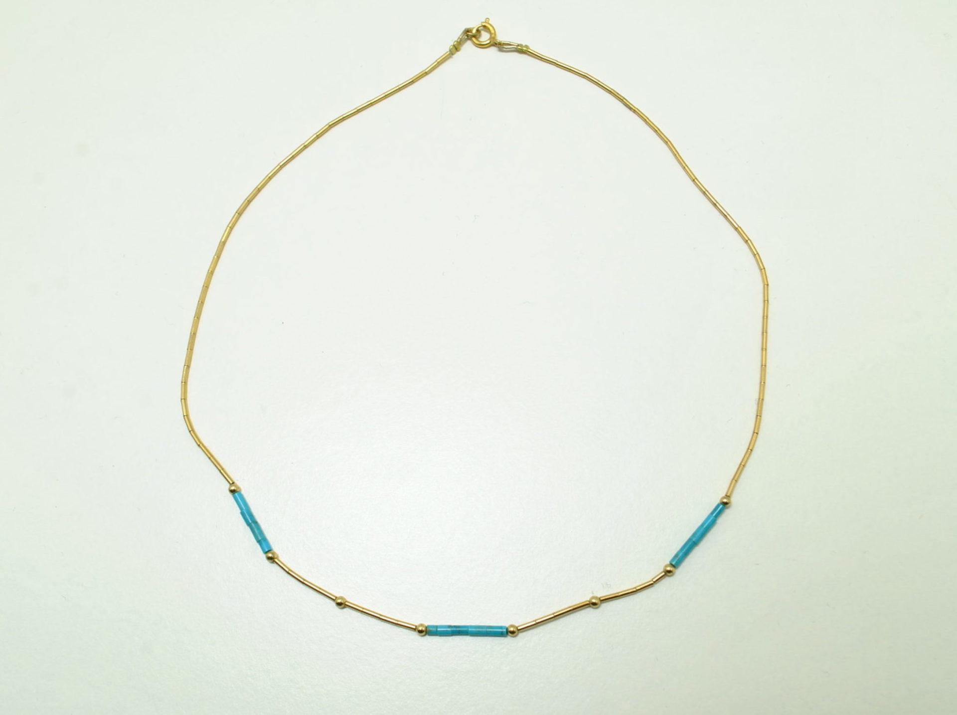 Petit collier turquoise et doré